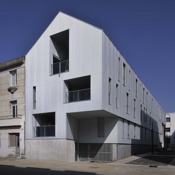 Rue de la Tour d'Auvergne, sur l'Ile de Nantes, l'agence Garo Boixel Architectes a livré il y a quelques semaines ces 15 logements en accession réalisés pour le Crédit Immobilier de Saint-Nazaire.