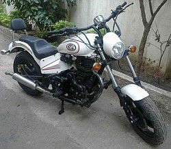 Royal enfield bullet modified chopper for sale pune. Mono shock, disc brakes, oversize tires, all tin work, no fibre. All Nilesh 9890025244. When you call Maxdeal.in