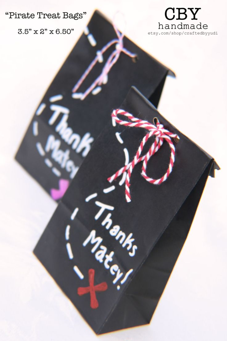 Pirate Treat Bags // pirate party decorations // pirate party favors by CraftedByYudi on Etsy