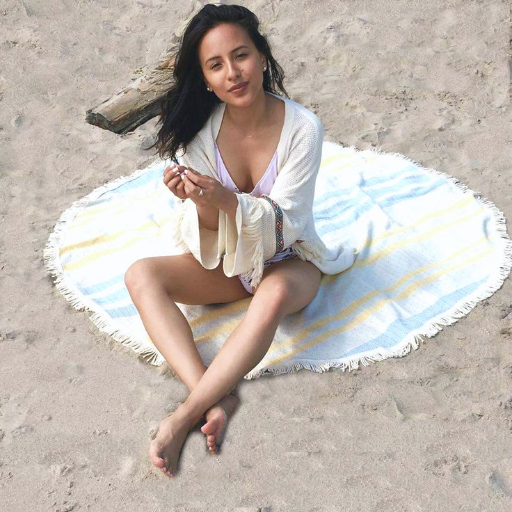Round Turkish Beach Towel - 100% turkish cotton, thin, absorbent and fast drying. Perfect travel towel.