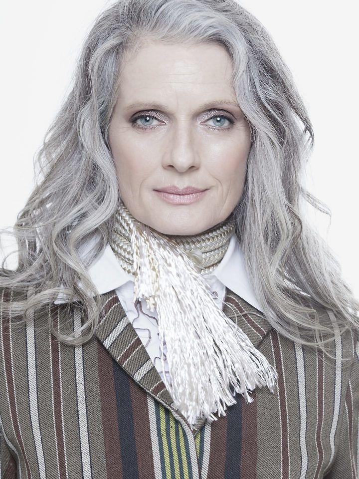 1428 gorgeous gray hair