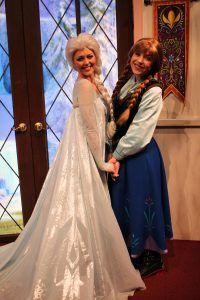 アナ&エルサ(アナと雪の女王)のグリーティング - *DLR*【グリーティング編②】カリフォルニア・アドベンチャー《画像で紹介》