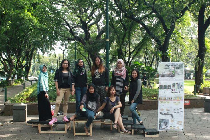 Grup 1 dan Instalasi kami :  Almas, DIva, Defa, Khusnul, Sandra, Tatesha, Karen, Chikita.