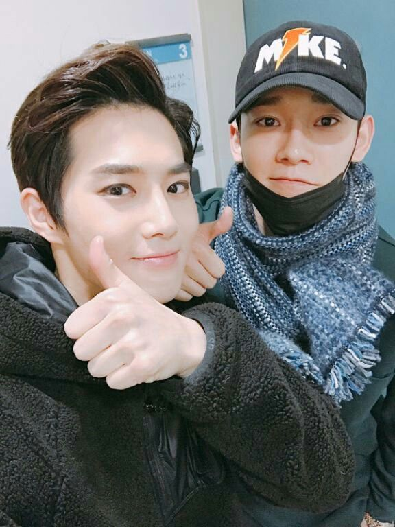 #SUHO #CHEN