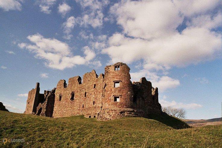 Замок Бро – #Великобритания #Англия (#GB_ENG) Руины замка Бро. http://ru.esosedi.org/GB/ENG/1000443227/zamok_bro/