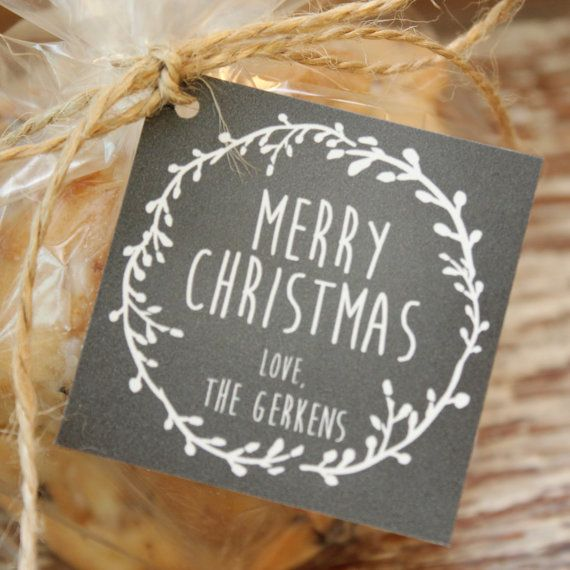 Showcase your holiday baked goods or gifts in our cellophane favor bags with our stylish personalized holiday tags. Our cellophane bags are made with
