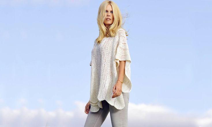 modèles Claudia Schiffer un tricot tunique blanche de la collaboration TSE