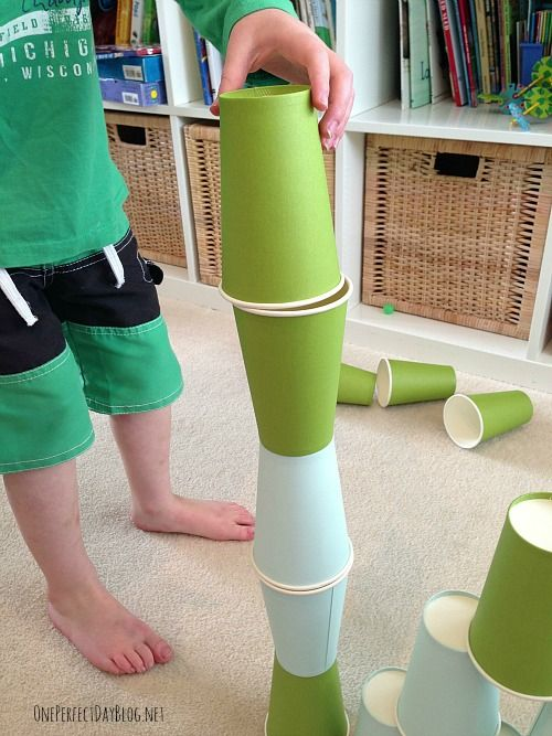 10 fun games using paper cups. We love simple play ideas that can be put together quickly and easily – even better if it can be done with items found around our home!