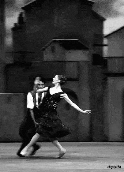 pas-de-chat-saute-de-chat: adayofballet: Marianela Nunez and Carlos Acosta in Don Q i love them so much it actually pains me