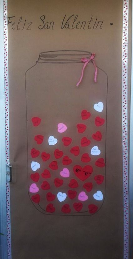 131 best images about puertas decoradas on pinterest for Decoracion de puertas de san valentin