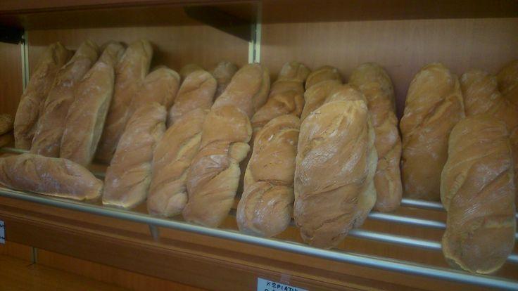 φρέσκο ψωμάκι κάθε μέρα απο τα Bread house