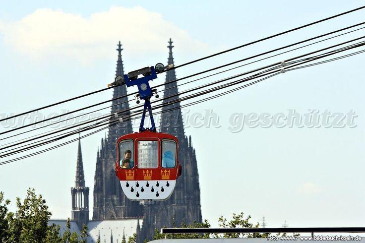 http://www.bilderbuch-koeln.de/Fotos/kölner_seilbahn_mit_domspitzen_dom_seilschwebebahn_deutz_444447