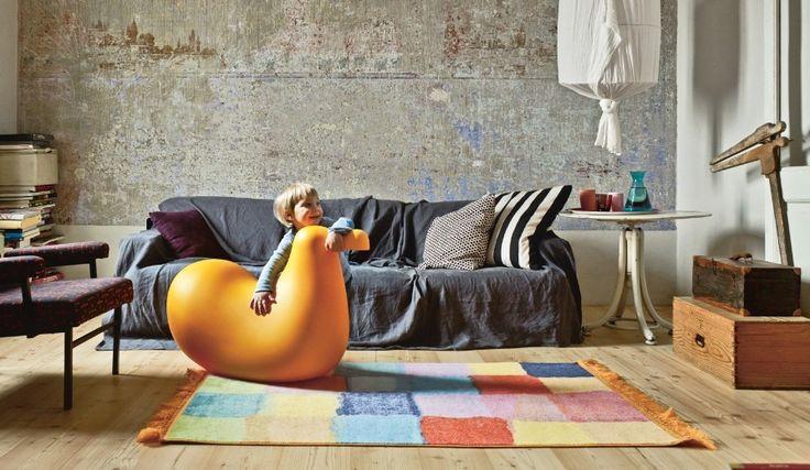 Oiseau à bascule en polyéthylène moulé par rotation Designer : OIVA TOIKKA Marque : MAGIS Couleur : ORANGE Dimensions : 86 x 41,5 x H 58,5 cm #Jbonet #design #magis