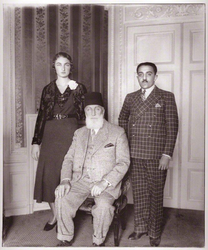 Princess Dürrühsehvar, Princess of Berar; Caliph Abdulmecid Khan II of Ottoman Empire and Nawab Azam Jah, Prince of Berar. Abdulmecid II (29 May 1868 – 23 August 1944) was the last Caliph of Islam from the Ottoman Dynasty, nominally the 37th Head of the Ottoman Imperial House from 1922 to 1924. His name has various alternate spellings, including Abdul Mejid, Aakhir Khalifatul Muslimeen Sultan Abd-ul-Mejid and Abdul Medjit.