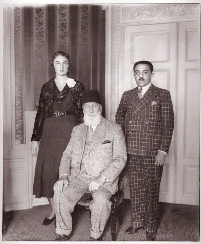 Princess Dürrühsehvar, Princess of Berar; Caliph Abdulmecid Khan II of Ottoman Empire and Nawab Azam Jah, Prince of Berar. Abdulmecid II (29 May 1868 – 23 August 1944) was the last Caliph of Islam from the Ottoman Dynasty, nominally the 37th Head of the Ottoman Imperial House from 1922 to 1924. His name has various alternate spellings, including Abdul Mejid, Aakhir Khalifatul Muslimeen Sultan Abd-ul-Mejid and Abdul Medjit.