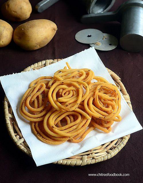 Easy potato chakli / Aloo chakli /  Urulai Kizhangu murukku recipe - Diwali Snacks !