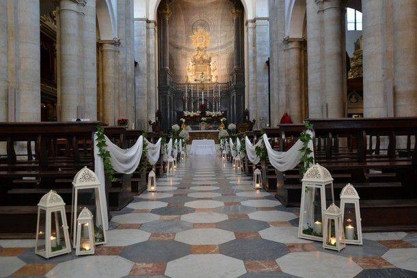decorazioni matrimonio chiesa fiori e lanterne - Cerca con Google