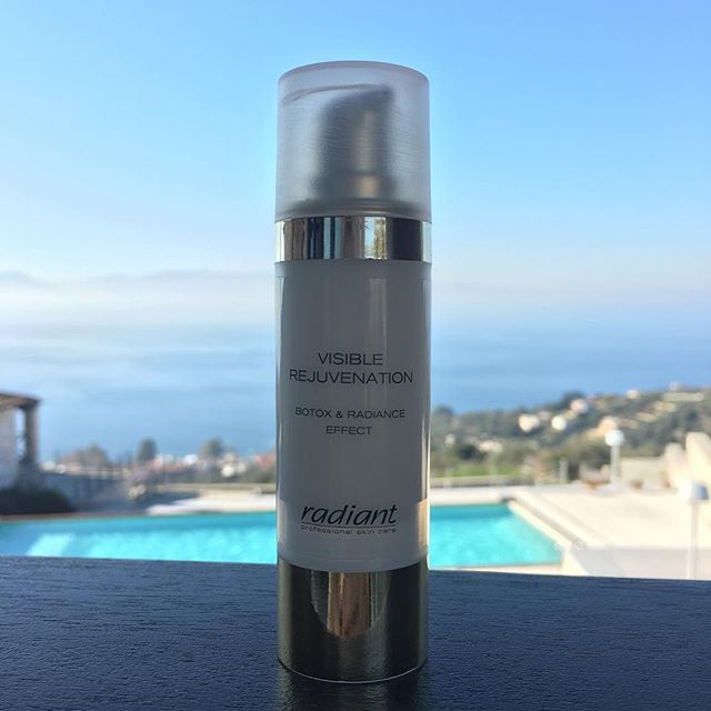 Diamonds are a girl's best friend! Put the radiant power of diamonds on your skin and use Visible Rejuvenation Botox and Radiance effect, a daily Cream with diamond powder. #radiantprofessional #skincare #antiaging #beautyproducts