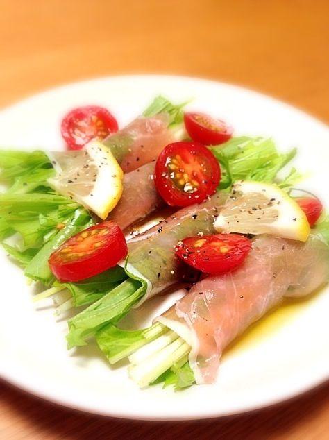 けいこちゃんみたいにオシャレな盛り付けは出来なかった(>_<) やっぱりけいこちゃんはすごいなぁ(o^^o) - 23件のもぐもぐ - keiyanさんの作っていた水菜の生ハム巻き by srisnom