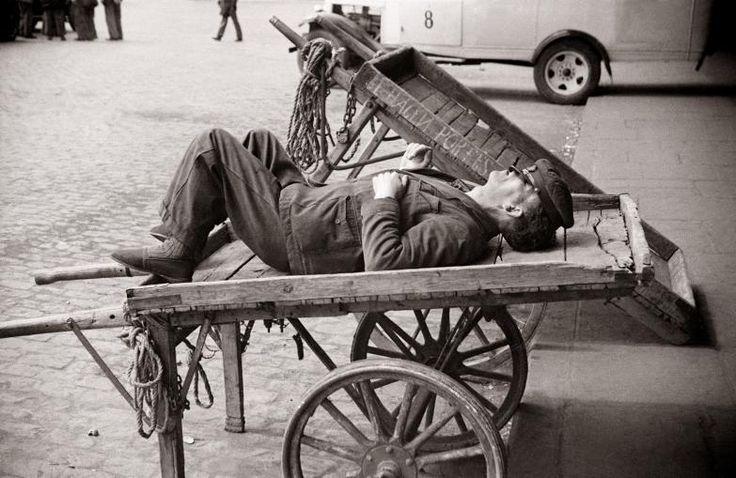 Madrid años 40: se hacen portes Diego González Ragel Madrid, c. 1940