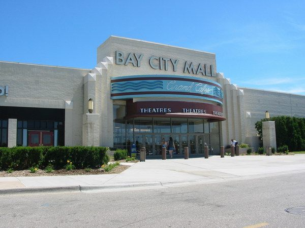 Bay City 8  the Bay City Mall in Bay City, Michigan
