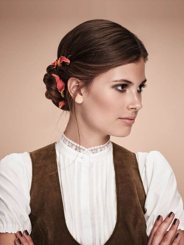17 beste idee n over dirndl frisuren op pinterest for Angesagte frisuren 2015