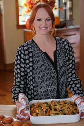 Pioneer Woman on Food Network! | Ree Drummond favorite Thanksgiving side dishes, from dressing to sweet potatoes.