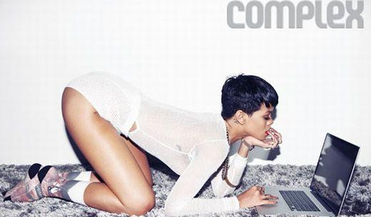 Rihanna sexy in noul numar al revistei Complex  http://www.emonden.co/rihanna-sexy-in-noul-numar-al-revistei-complex