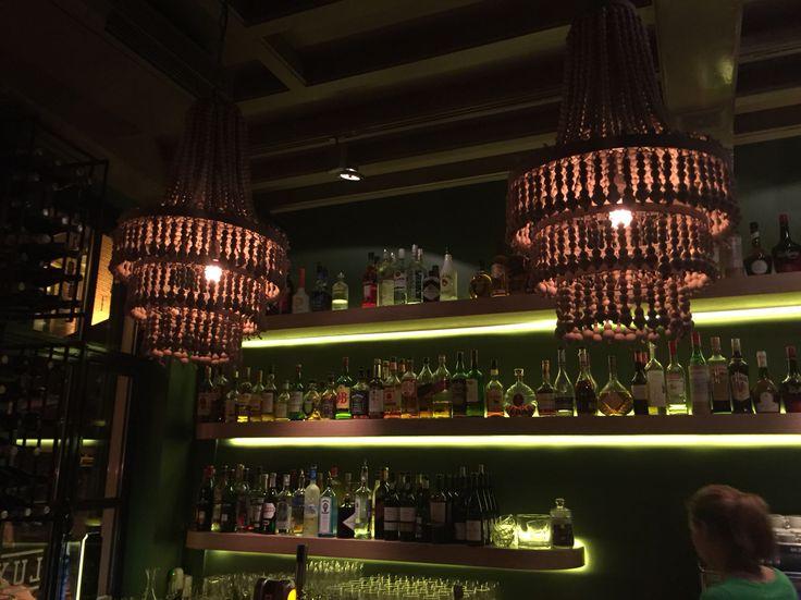 Mooie lampen bij restaurant Lux in Den Bosch. van Flamant?