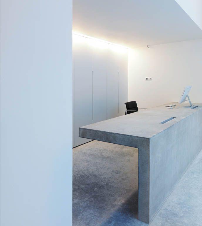 Concrete desk, Lowinfo