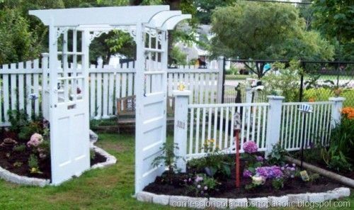 old doorsGardens Arbors, Gardens Ideas, Fence, Doors Arbors, Salvaged Wood, Gardens Arches, Gardens Trellis, Old Doors, Yards