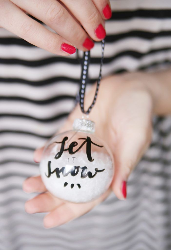 {DIY} Weihnachtskugeln mit Lettering in Schwarz-Weiß