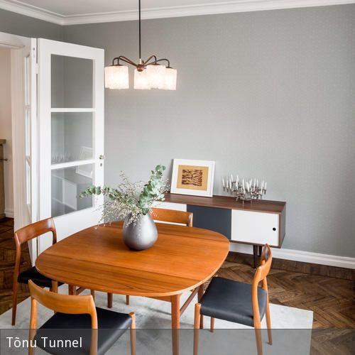 Das Esszimmer In Der Renovierten 30er Jahre Wohnung Wurde Z.T. Mit  Skandinavischer Vintage Möbel Ausgestattet