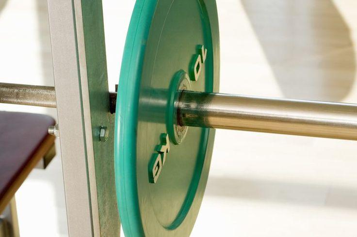 Estándares masculinos de flexiones, dominadas, sentadillas, levantamiento de peso muerto  y fuerza de banco | Muy Fitness