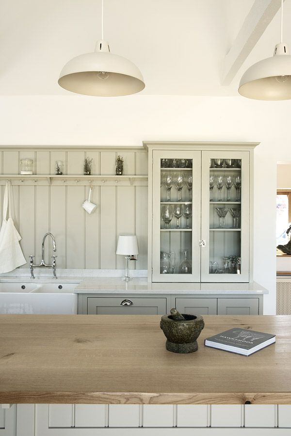 The Warwickshire Barn Shaker Kitchen by deVOL painted in 'Mushroom'.