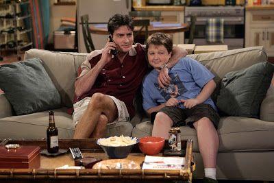 Series Inolvidables TV: Charlie Sheen admite que es VIH positivo aunque su...