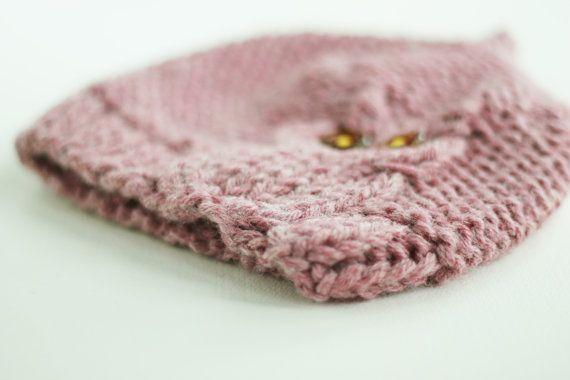 Eule-Kabel stricken Hut in Himbeer-Creme-Rosa von laceandcable