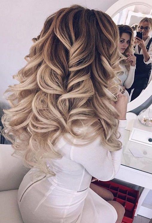 Pin Von Anna Mlynska Auf New Hair Style Frisur Ideen Lockige Frisuren Frisur Hochzeit