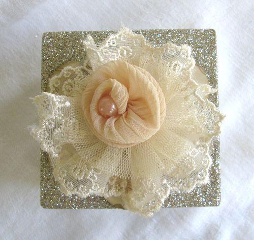 .: Lace Flowers, Peaches Rose, Sheer Fabrics, Fabric Flowers, Beautiful Flowers, Pastel Peaches, Lace Fabrics, Make Flowers, Fabrics Flowers