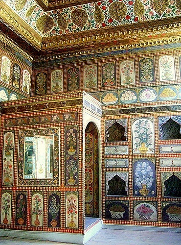 Topkapi Palas - Istanbul Turkey. Absolutely fantastic - I wish I had another whole week just to explore this remarkable place.