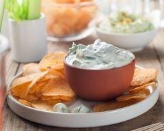 Sauce au fromage blanc, ail et fines herbes (facile, rapide) - Une recette CuisineAZ