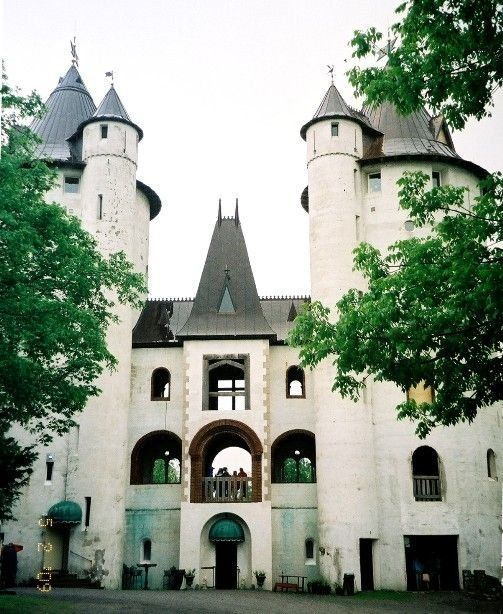 """Castle Gwynn in Tennessee This is where Taylor Swift shot the """"Love Story"""" music video. The Renaissance Festival is held here. This is a castle in our home in TENNESSEE!"""