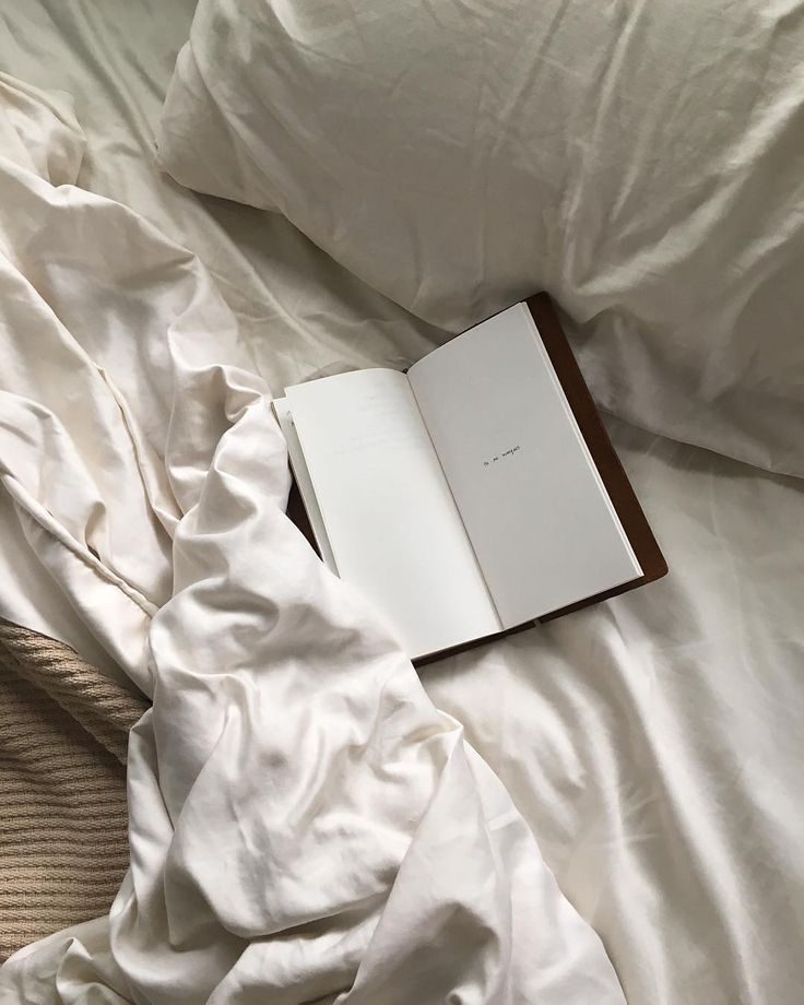 Soft Sheets Quiet Morning Idei Dlya Foto Instagram Knizhnye Oboi