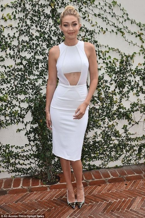 s†®єє† ᵴ†yℓε Gigi Hadid white dress, W Magazine party