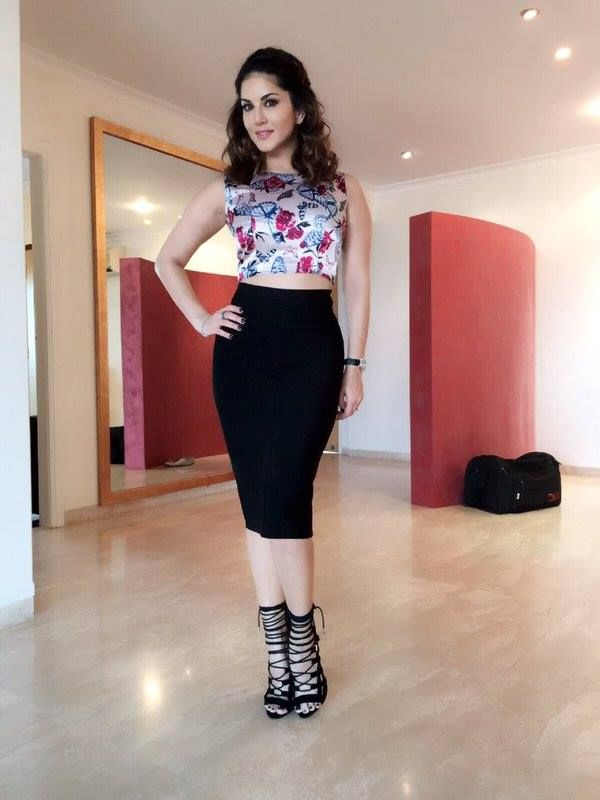 144 Best Sexy Sani Lioni Images On Pinterest  Beautiful -1351