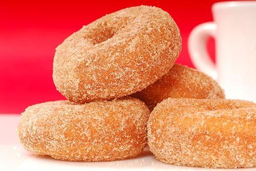 Donuts de Canela Te enseñamos a cocinar recetas fáciles cómo la receta de Donuts de Canela y muchas otras recetas de cocina.