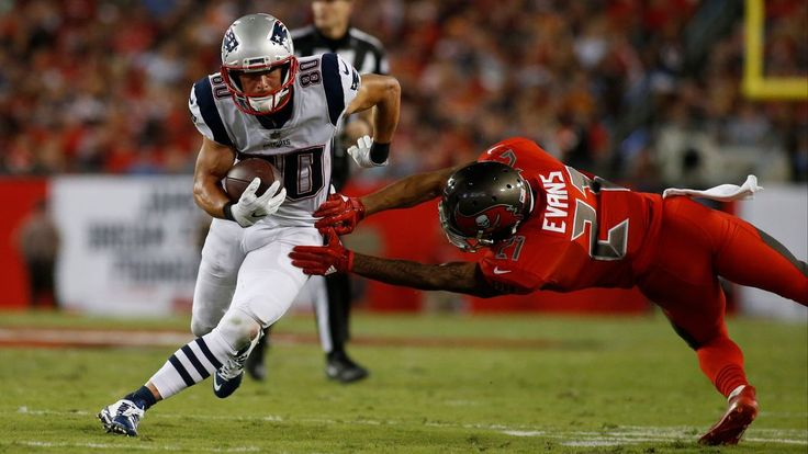 Injury update: Patriots WR Danny Amendola was hurt on another punt return.The Patriots probably should take a hint.