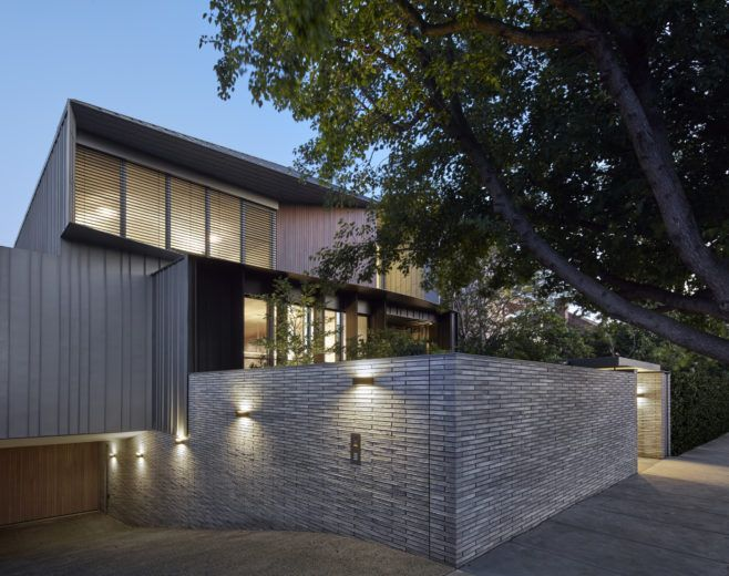 Tegl house is a home with a demanding brief for accommodation within an inner city suburb. Tegl House uses a subdued palette of bricks, zinc and timber.