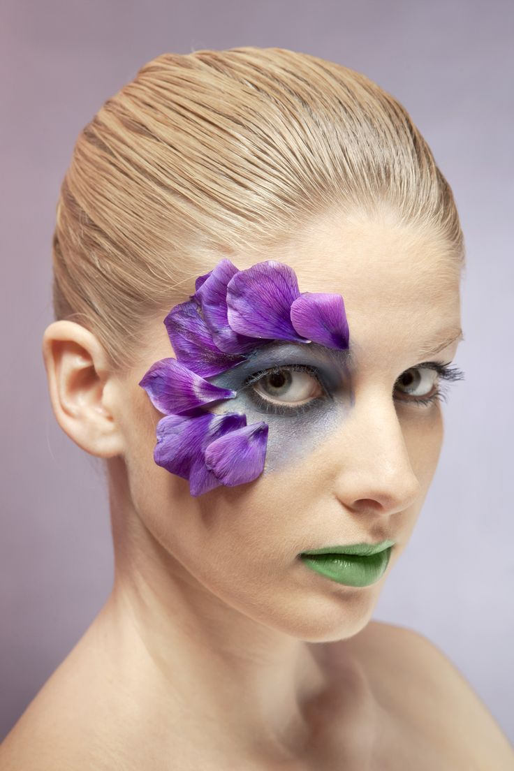 For the role of the flower, this is the make up that would be used. It is very creative and shows the petals on the face.