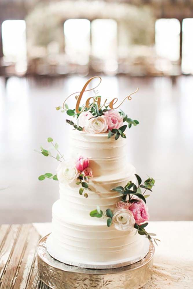 27 Creative Wedding Cake Topper Inspiration Ideas ❤ Are you looking for inspiration to decorate your wedding cake? See more: http://www.weddingforward.com/wedding-cake-topper-ideas-inspiration/ #wedding #topper